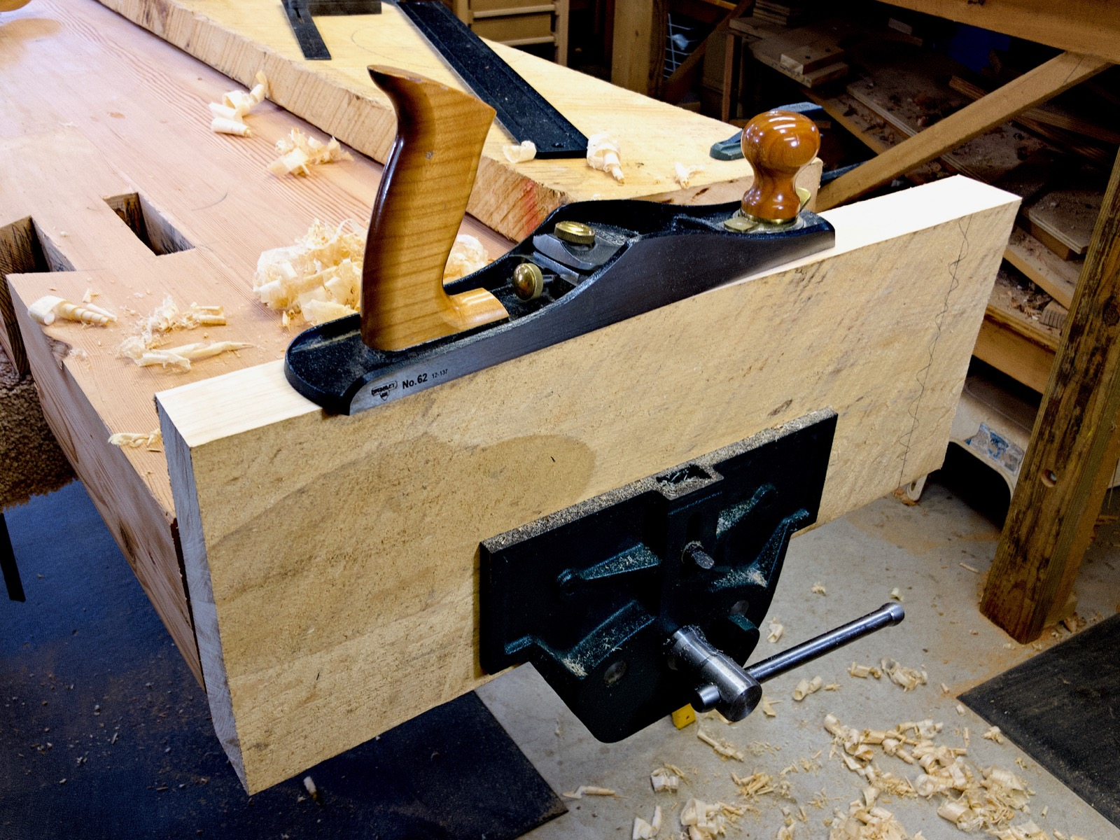 The end vise in action.