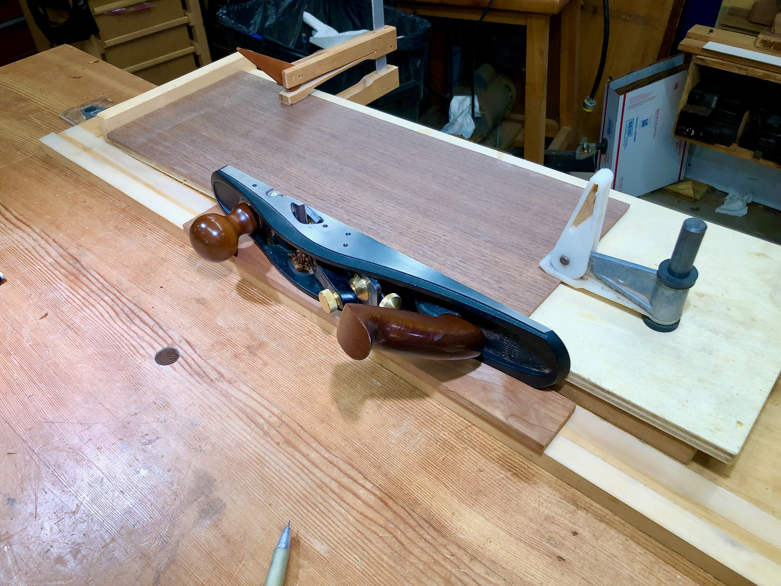 Jointing board and plane
